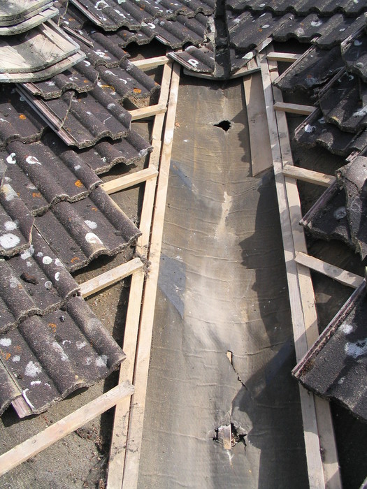 how to fix a leaking tile roof valley